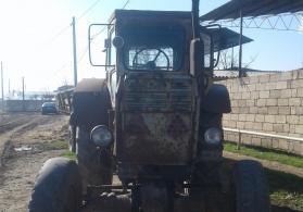 traktor T42