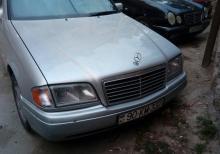 Mercedes-Benz 220 1995