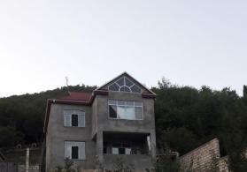 Tecili Qubada 6 otaqli kupcali ev satilir
