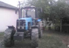 traktor 1221.2