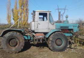 T 150 traktor