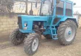 Traktor MTZ-82