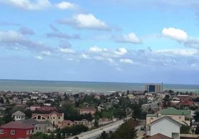 Novxanida denize yaxin Otel satilir