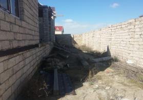 Albaliliqda 2 mertebeli ev satili