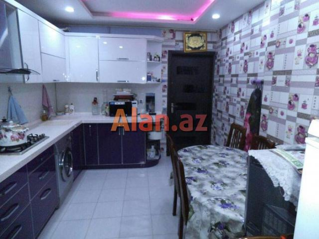 Ehmedli metrosuna 7-8 deqiqelik mesafede Bizim markete yaxin 60 м² 2 otaqli menzil