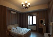 Merdekan qesebesi  Merlin gozellik salonu yaxinliginda 5.5sot  160 м²  bag evi satilir