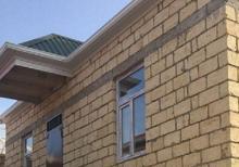 Masazirda girise yaxin  59 м² 2 otaqli 8 das kursulu temirli heyet evi