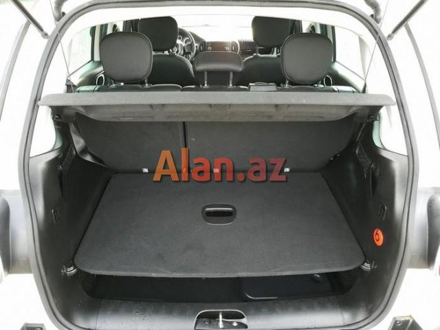 Fiat 500L 2016 avtomobil