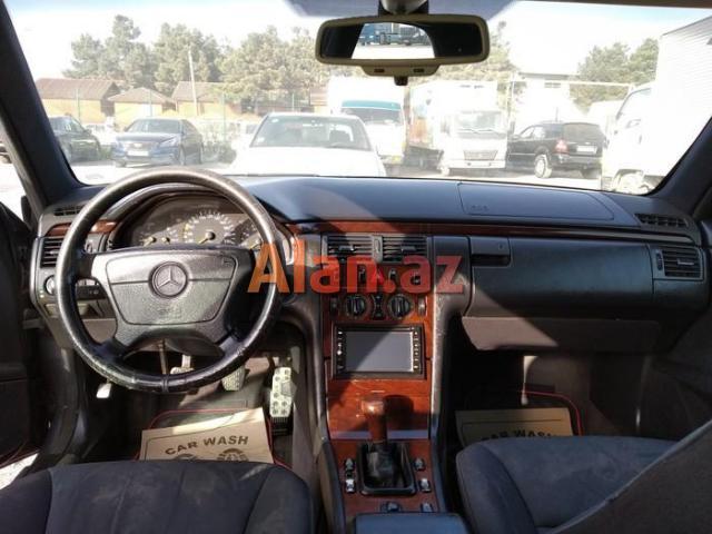 Mercedes-Benz E 200 1996