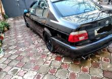 BMW 2000 2001-ci il maşını
