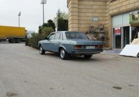 Mercedes-Benz 200 1983