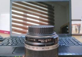 Canon 18-200 obyektiv