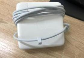 """Apple Macbook MagSafe 2"" adapteri"