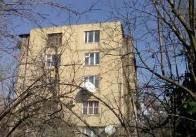 Köhnə binada 4 otaqlı