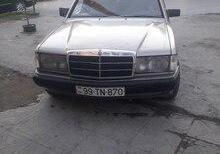 Mercedes 190, 1990 il