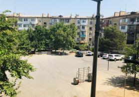 Araz marketin yanında mənzil