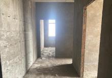 28 may metrosu, Çay fabrikinin yanında  111м² 3 otaqlı podmayak mənzil