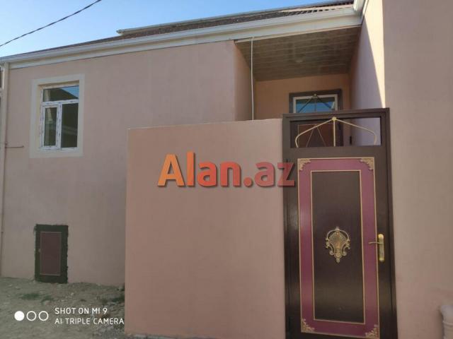 Bakı şəhər Binəqədi qəsəbəsində 0.8 sotda cüt daşla 55м² həyət evi