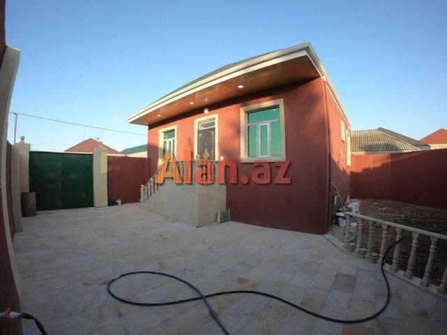 Bakı şəhər Binəqədi qəsəbəsində 2 sotda cüt daşla, kürsülü  3 otaq 110м² həyət evi