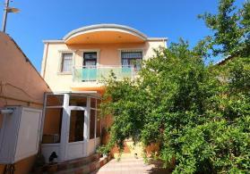 Xırdalan-da  2  mərtəbəli  4.otaqlı  Villa  satışda