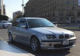 BMW 320, 2000 il avtomobili