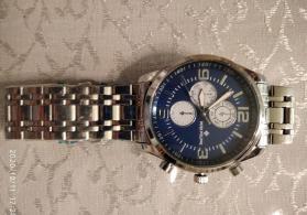 Kişi üçün qol saatı satılır.