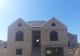 tecili 5 otaqli heyet evi satilir