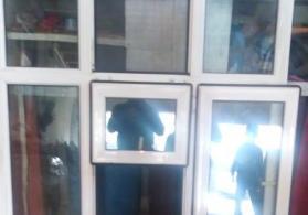 Pencere Cox gozel  vezyetde 100 manata