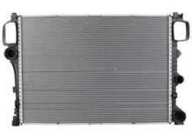 """Mercedes W221 S500"""" su radiatoru"""