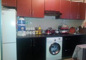 Xirdalanda merkezde 2 otaqli heyet evi satilir