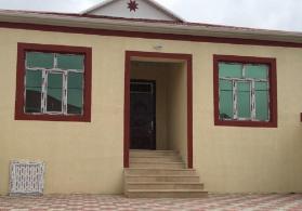 tecili 3 otaqli ela temirli heyet evi satilir