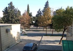 Bakixanov qes.de kohne Dvoresle uzbeuz
