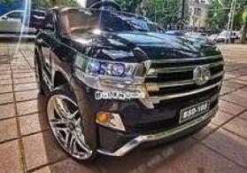 "Uşaq arabası ""Toyota Land Cruiser"""