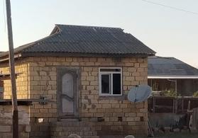 Ev satilir Salyanda