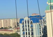 Nerimanov metrosunun cixisinda super temir ev satilir