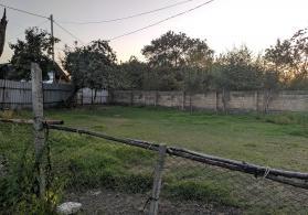 Qax rayonu,Qaxbaş kəndində torpaq sahəsi satılır.
