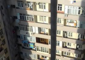 Yeni Yasamalda yeni tikilidə 4 otaqlı mənzil satılır